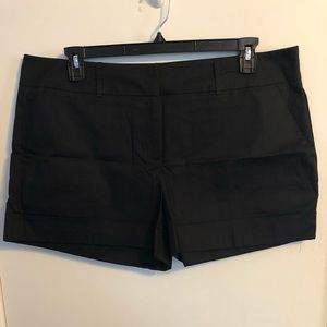 NWOT Solid Black NY&Co Cuffed Short